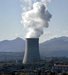 Una central nuclear contamina mucho más de forma invisible, porque la radiactividad no se ve, ni huele...