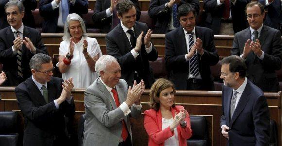 aplauso-rajoy-congreso-efe.jpg