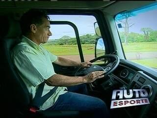 Chico Diaz é convidado para conhecer lançamento de caminhão
