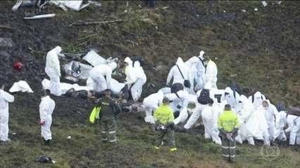 Avião da Chapecoense cai e deixa 75 mortos