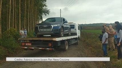 Carros usados em ataque em Criciúma são retirados de área rural de Nova Veneza