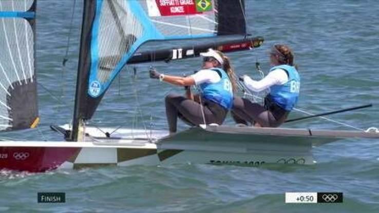 Martine Grael e Kahena Kunze conquistam o ouro na vela classe 49er FX