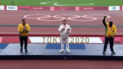 Thiago Paulino protests a lot when receiving the bronze medal in the F57 shot put;  Marco Aurélio Borges receives silver - Tokyo Paralympics