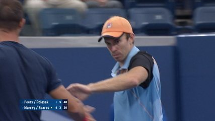 Bruno Soares misses volley in the net, Peers/Polasek win the second set by 6/3 and tie the game
