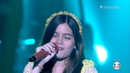 Laís Menezes sings 'Sabiá'