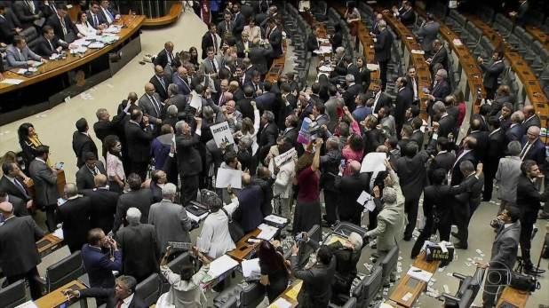 Governo começa a punir quem seria aliado e votou contra Temer