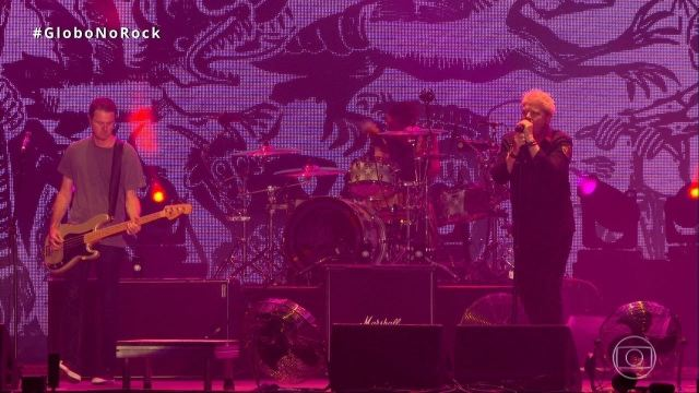 The Offspring canta 'All I Want' no Palco Mundo do Rock in Rio