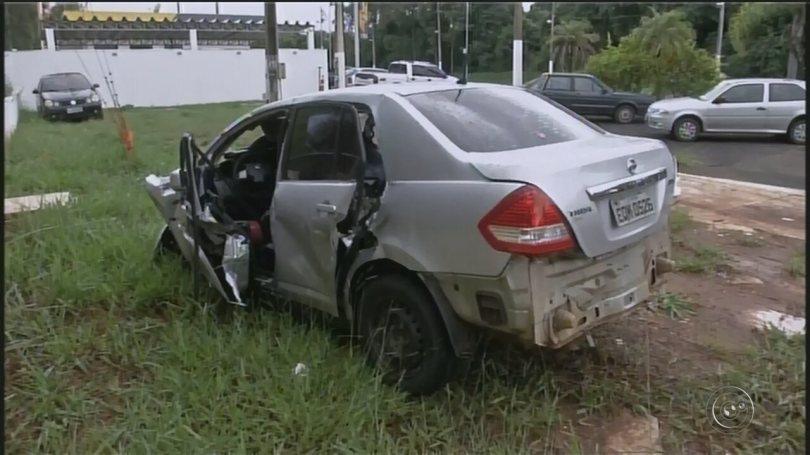 Acidente entre carro e caminhão deixa 6 mortos e um ferido grave em rodovia