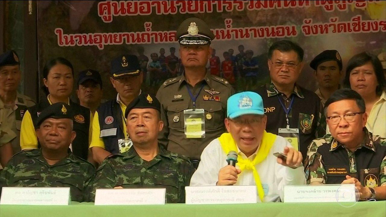Autoridades da Tailândia correm contra o tempo para resgatar meninos presos em caverna