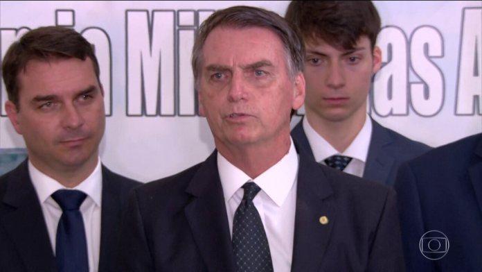 Bolsonaro afirma que vai acabar com o que chamou de 'festa das multas do Ibama'