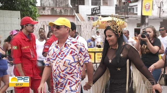 Prefeito exige presença de servidores comissionados em show da noiva em prévia de carnaval