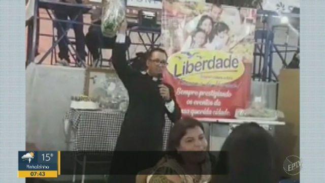 Pacote de macarrão foi arrematado por 12 mil reais para ajudar a igreja, em Ituverava