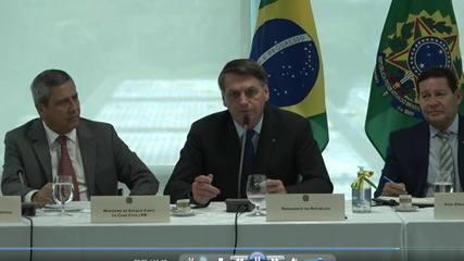 Bolsonaro chama João Doria de 'bosta' e Wilson Witzel de 'estrume'