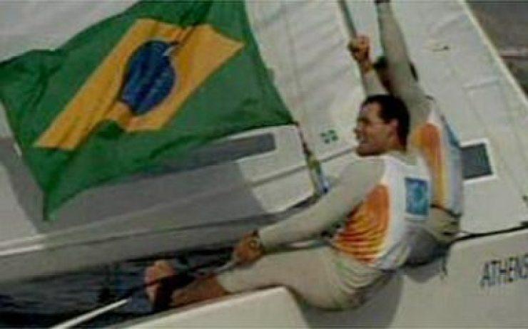 Em 2004, Torben Grael e Marcelo Ferreira garantem o ouro