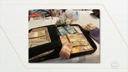 Mala de dinheiro é apreendida no DF em operação contra suspeita de propina