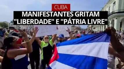 """Manifestantes gritam """"liberdade"""" e """"pátria livre"""" em protestos em Cuba"""