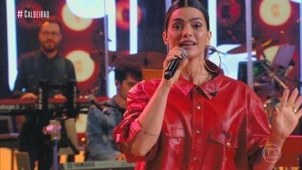 Kelly Key sings 'Baba'