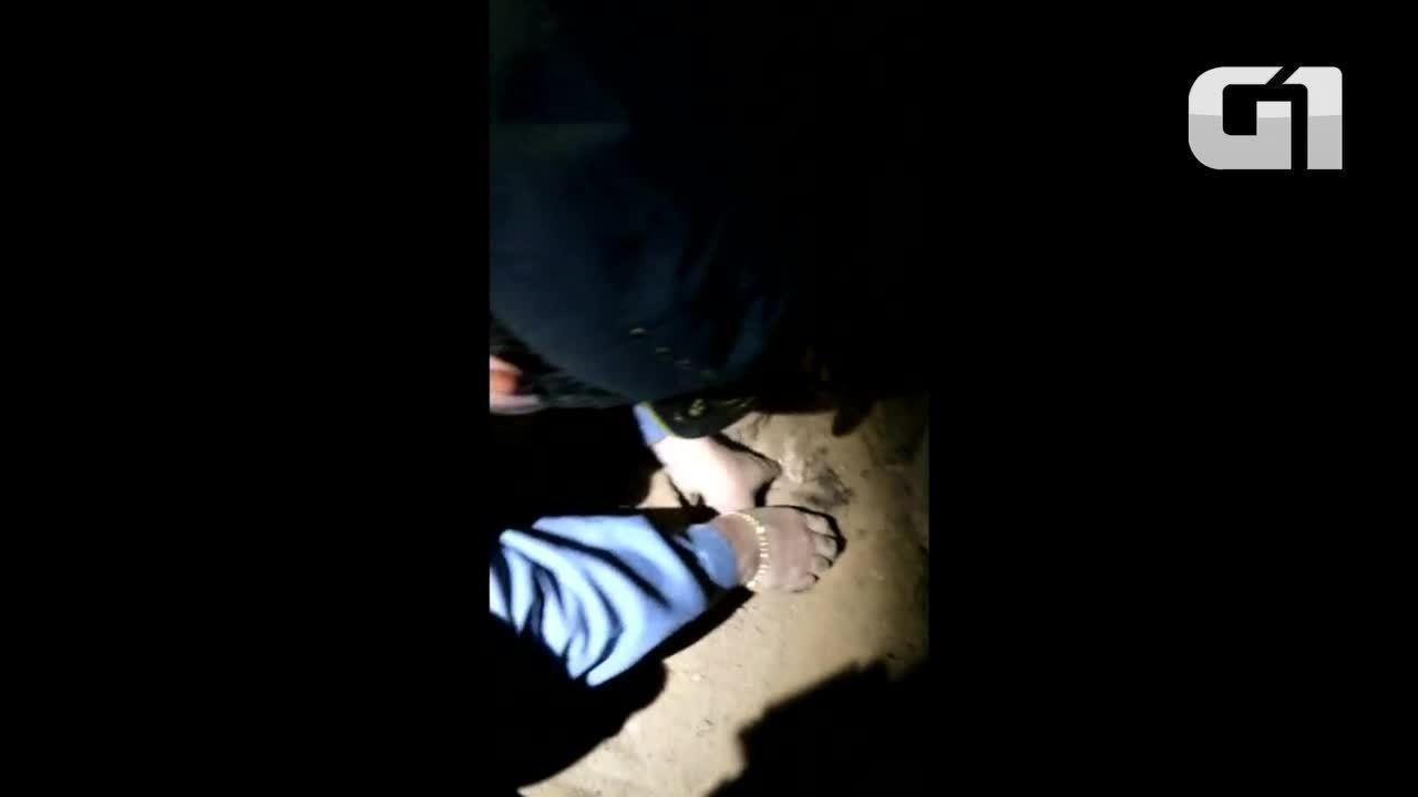 Índia recém-nascida é resgatada após ser enterrada viva por família em MT