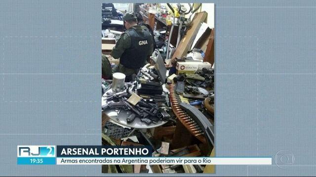 Arsenal encontrado na Argentina seria trazido para o Rio, suspeita polícia