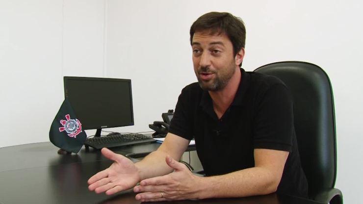 Duílio Monteiro Alves fala sobre reforços e verba para contratações no Corinthians