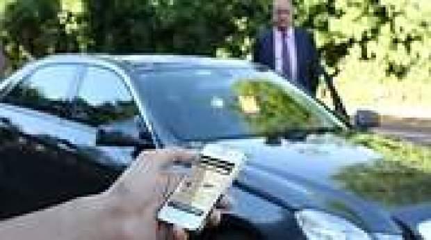 El Gobierno negocia cambiar la ley por vía urgente para que las CCAA limiten Cabify y Uber