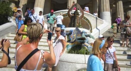 Resultat d'imatges de turistas en barcelona estados unidos
