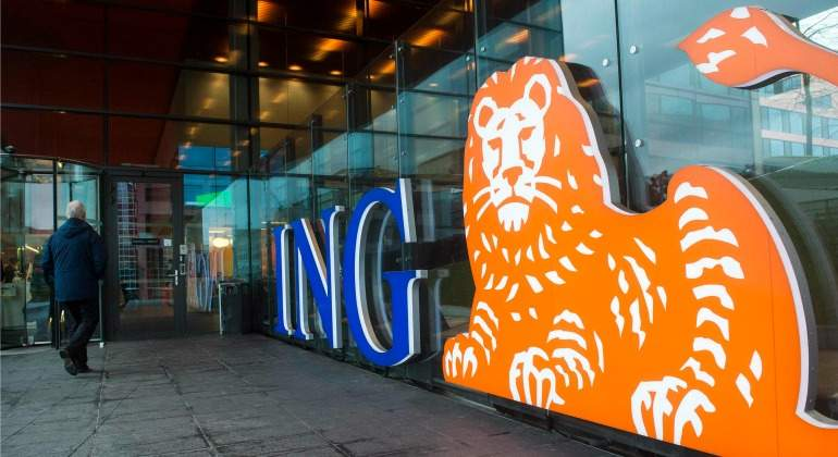 ing-leon-escaparate.jpg