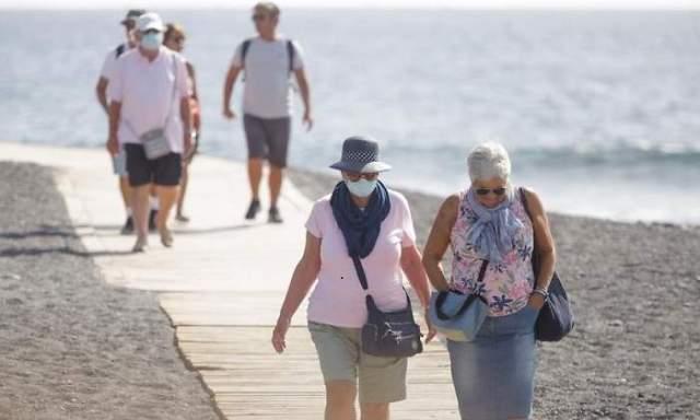 coronavirus-espana-playa-canarias-efe.jpg