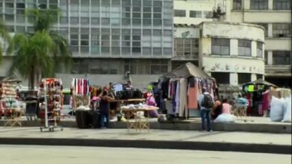 Mais de 10 mil camelôs voltam às ruas do Rio de Janeiro
