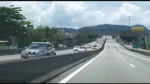 Estradas de SP tem movimento intenso na volta do litoral