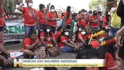 Indigenous women march against the time frame in Brasília