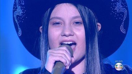 Maria Victoria sings 'If God Heard Me'