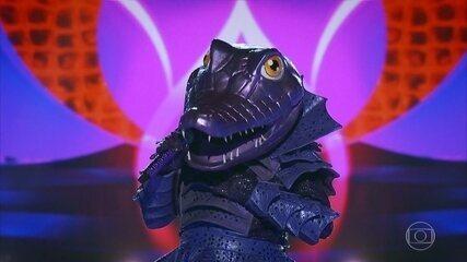 Alligator sings 'Beast Wound'