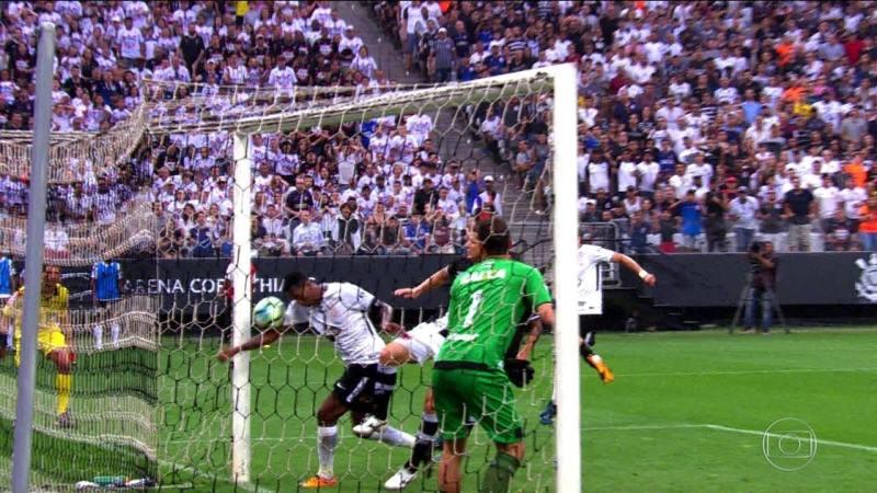 Gols do Fantástico: Com gol de braço de Jô, Corinthians vence o Vasco