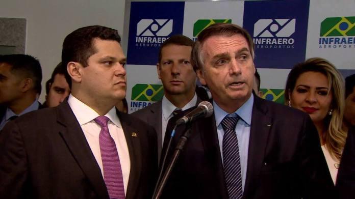 'Não vou ser intervencionista', diz Bolsonaro após questionar reajuste da Petrobras