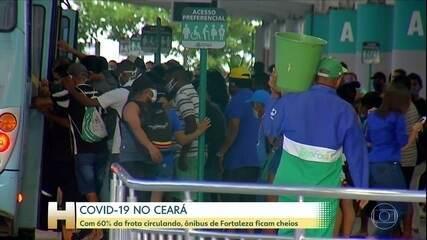 Ônibus amanhecem lotados em Fortaleza