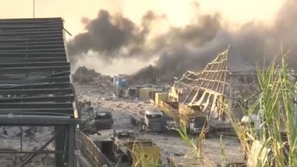 Imagens mostram coluna de fumaça após explosão em porto do Líbano nesta terça (4)