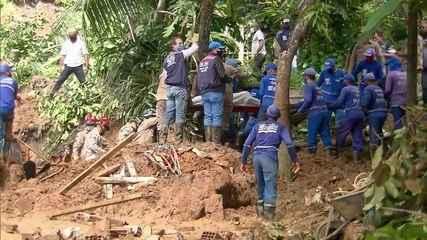Bombeiros encontram corpos de pai e filha que estavam desaparecidos em deslizamento