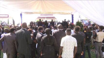 Funeral do presidente do Haiti Jovenel Moise é interrompido por tiros do lado de fora