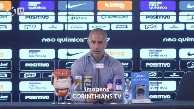 Entrevista coletiva com Sylvinho no pós-jogo do Corinthians
