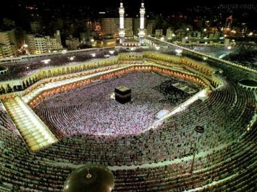 makah_866886153 السعودية تدرس إلغاء الحج لأول مرة بسبب كورونا المزيد