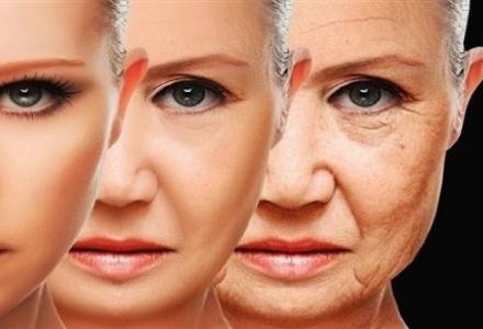 2018121613275334CP_140779434 عادات تسرّع علامات الشيخوخة المزيد