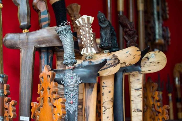 14 Senjata Tradisional Khas Dari Beberapa Provinsi Di Indonesia Bukareview