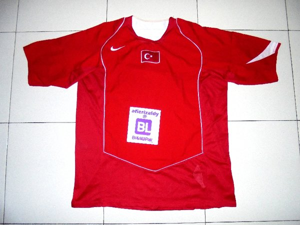 Jersey Sepakbola Original Turkey 2004 Home Replica Size XL - TUR-1401