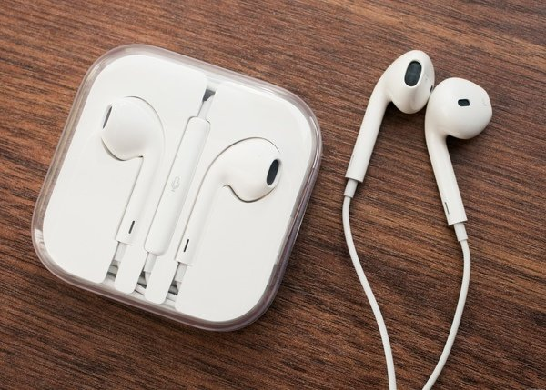Jual Earphone Apple iPhone5 ORIGINAL 100  iPhone 5 iPad Handsfree Headset Terunik