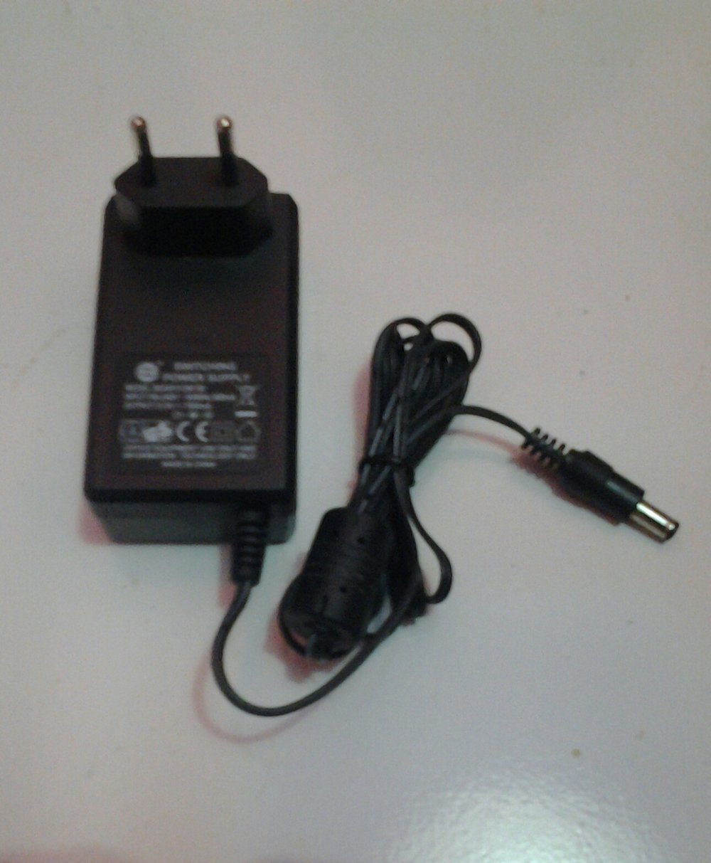 hight resolution of adaptor power supply lcd advance original