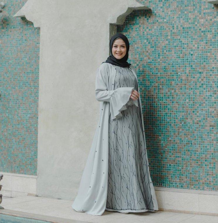 31 Model Baju Pesta untuk Wanita Hijab yang Wajib Dimiliki ...