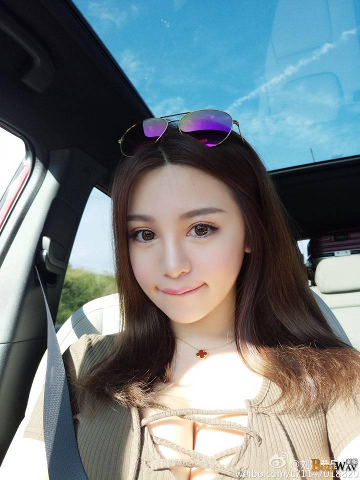 【中國正妹】劉婭希 魔鬼身材的甜美北京女孩 -【Buzz 正妹】