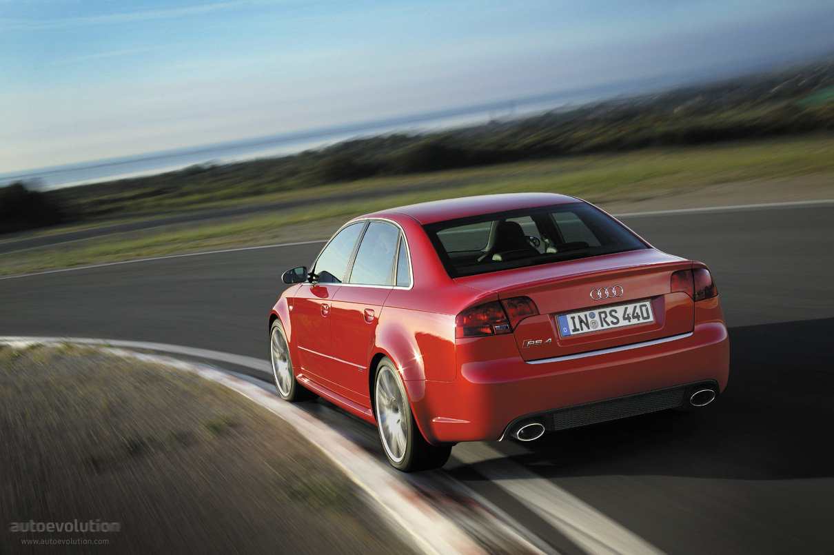 hight resolution of  audi rs4 2005 2008