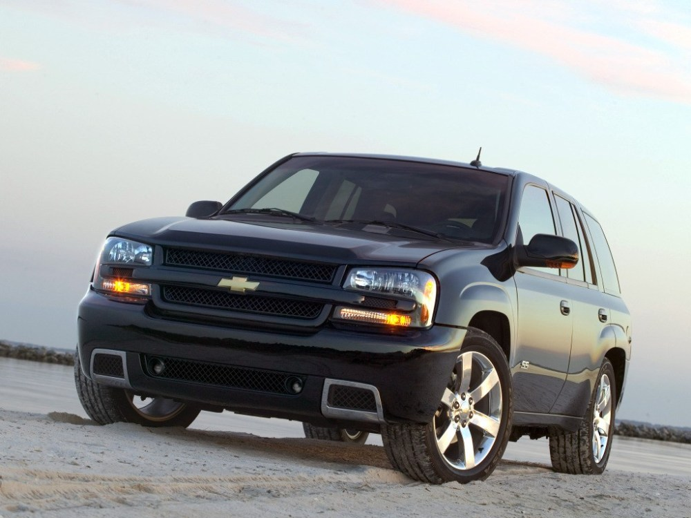 medium resolution of  chevrolet trailblazer ss 2005 2008